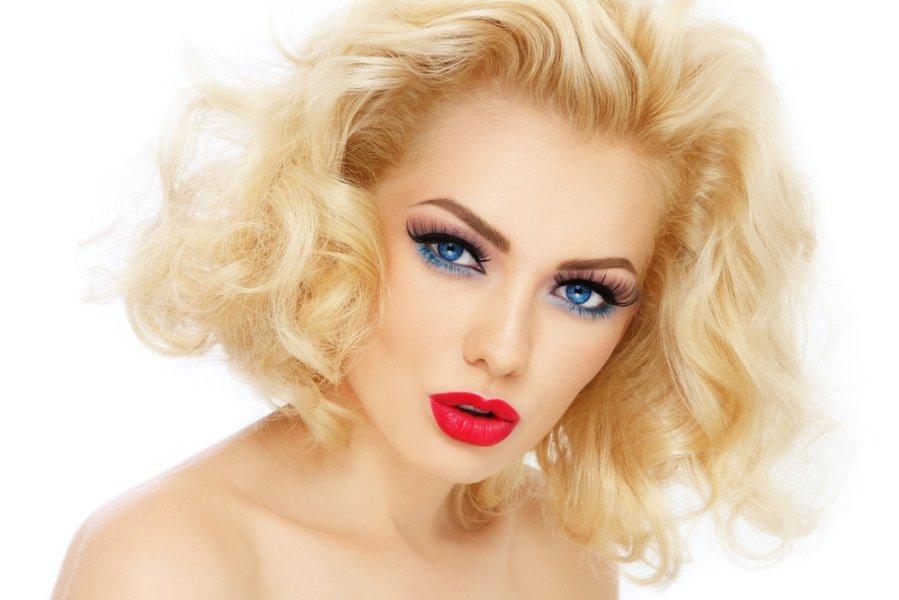 Фото белые волосы макияж